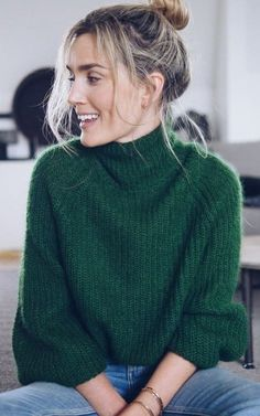cool outfit : green knit sweater + jeans