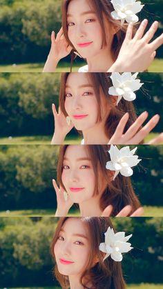 Red Velvet アイリーン, Red Velvet Irene, Velvet Wallpaper, Red Wallpaper, Seulgi, Kpop Girl Groups, Kpop Girls, Redvelvet Kpop, Aesthetic People