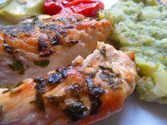 Morčacie prsia s grilovanou zeleninou a brokolica výborne doplní svieže biele víno  - www.vinopredaj.sk  #morcacie #maso #brokolica #grilovanie #gril #jedlo #food #goodfood #dobrejedlo #gastronomia #vino #wine #wein #grilovana #zelenina