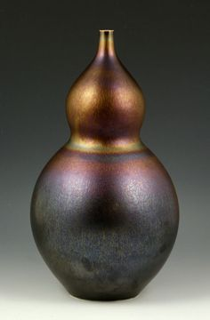 """Hideaki Miyamura Studio pottery vase, double-gourd shape, 15"""" h. Provenance: From a Maine private collection."""