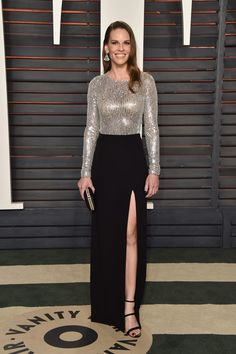 Hilary Swank Sequin Dress - Hilary Swank glittered in a Michael Kors gown with a sequined bodice and a high-slit skirt at the Vanity Fair Oscar party. Diane Kruger, Kate Bosworth, Brian Atwood, Diane Von Furstenberg, Oscar Dresses, Looks Street Style, Elizabeth Banks, Vanity Fair Oscar Party, Michael Kors Collection