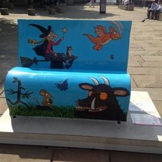 WONSA - International - Londons literary landscape COME to life- Popular artists and authors design BookBenches -