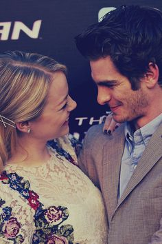Andrew Garfield and Emma Stone The amazing spiderman Zooey Deschanel, I Look To You, How To Look Better, Keira Knightley, Pretty People, Beautiful People, Perfect People, Amazing People, Emma Stone Andrew Garfield