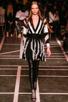 Givenchy Spring 2015 Ready-to-Wear Fashion Show - Mina Cvetkovic (Women)
