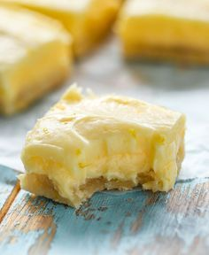 Dessert recipes - Citronbiskvier i långpanna Baking Recipes, Cake Recipes, Dessert Recipes, Yummy Treats, Sweet Treats, Yummy Food, Cookie Cake Pie, Food Cakes, Dessert Bars