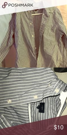 BUTTON DOWN SHIRT JCREWBOYFRIENDSHIRT J. Crew Tops Button Down Shirts