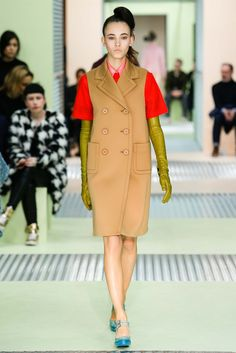 Prada Fall 2015 Ready-to-Wear Collection Photos - Vogue Runway Fashion, High Fashion, Fashion Show, Fashion Design, Milan Fashion, Miuccia Prada, Vogue, Models, Fall Winter 2015