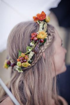 Bridal braids and berries in her hair.love this floral crown! Green Wedding Ideas by Green Bride Guide / Kate Pretty Hairstyles, Braided Hairstyles, Wedding Hairstyles, Corona Floral, Bridal Braids, Hair Dos, Her Hair, Hair Inspiration, Hair Makeup