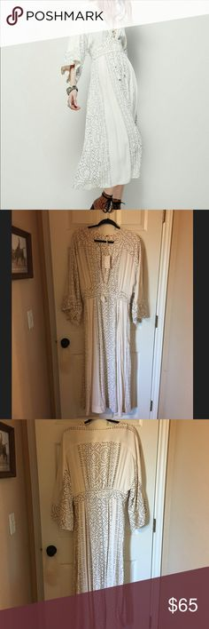 Free People Pearl Modern Kimono Dress Brand new with tag.  Free People Pearl Combo Maxi Dress.  The zipper is not broken it is just stiff and gets stuck sometimes but does zip up after you maneuver it. Free People Dresses