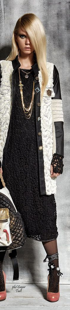 Elisa Cavaletti FW 15-16 - layers with lace and mismatched buttons