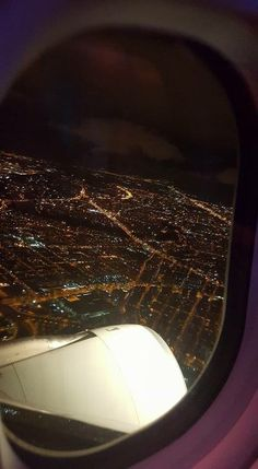 Whare u can fly withiut ever lands. Whare u can fly withiut ever lands. Night Aesthetic, City Aesthetic, Travel Aesthetic, Applis Photo, Fake Photo, Creative Instagram Stories, Instagram Story Ideas, Airplane Photography, Travel Photography