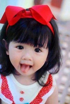 ooooooo c petite fille est trop mignonne kid girl boy Baby kid Cute Asian Babies, Asian Kids, Cute Babies, Asian Child, Half Asian Babies, Precious Children, Beautiful Children, Beautiful Babies, Beautiful People