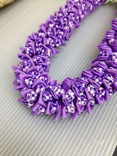 Crown flower(Ribbon Lei) designed by Tracy Harada Ui'mauamau Ribbon Lei, Diy Ribbon, Ribbon Crafts, Bead Crafts, Ribbons, Hawaiian Crafts, Hawaiian Art, Hawaiian Leis, Cloth Flowers