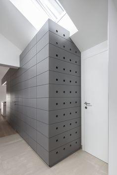 Penthouse : Excellent Penthouse V Storage Idea Designed By Destilat. Beautiful White Themed Penthouse V Interior Design in Austria By Destilat Wall Design, House Design, Central Kitchen, Clothing Store Design, Loft, Spacious Living Room, Design Studio, Pent House, Luxury Apartments