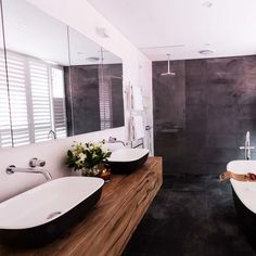 Josh and Charlotte's ensuite bathroom. The top 12 looks from The Block: Triple Threat, via Wee Birdy.