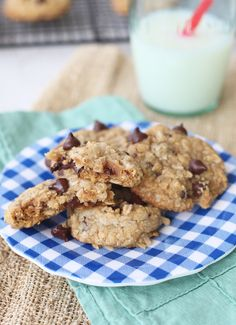 The Best Chocolate Coconut Oatmeal Cookies Seriously the best Coconut Chocolate Double Oatmeal Cookies! Steel Cut Oat Cookies, Oatmeal Coconut Cookies, Coconut Chocolate Chip Cookies, Chocolate Chip Oatmeal, Easy Cookie Recipes, Healthy Dessert Recipes, Just Desserts, Yummy Recipes, Healthy Chocolate