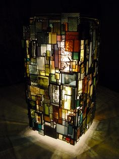 Stained glass lamp, I love the layers of glass. Stained Glass Lamp Shades, Stained Glass Light, Tiffany Stained Glass, Stained Glass Crafts, Tiffany Glass, Stained Glass Designs, Stained Glass Patterns, Stained Glass Windows, Leaded Glass
