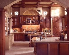 Merveilleux Old World Style Kitchen On Your Home: