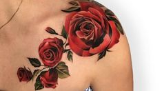 Rose tattoo is one of the most popular tattoo designs that is suitable for both men and women to get. The rose flower has plenty… Rose Tattoos For Women, Shoulder Tattoos For Women, Tattoo Designs For Women, Rose Tattoo Shoulder, Red Rose Tattoos, Flower Tattoos, Colorful Rose Tattoos, Rose Chest Tattoo, Bild Tattoos