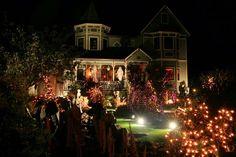 Some Outdoor Halloween Decorating Ideas. #halloween   #spooky   #decor   #DIY    http://amzn.to/2xUEVfs  http://readr.me/0e8js