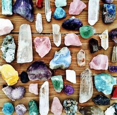 ✨Crystals have been used for hundreds and hundreds of years (not just by modern day hippies!) with each one having a specific healing power. From alleviating anxiety & stress, promoting positive energy, and even helping with certain health issues, keeping crystals around the house or even wearing them as jewelry can be a helpful trick …