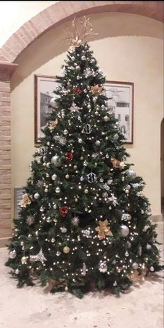 Villa, Santa, Christmas Tree, Holiday Decor, Home Decor, Teal Christmas Tree, Decoration Home, Room Decor, Xmas Trees