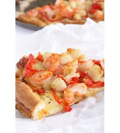 Shrimp and Scallop Pizza with Red Bell Pepper and Creamy Rosey Sauce Seafood Pizza, Seafood Dishes, Seafood Recipes, Lobster Pizza, Shrimp Pizza, Seafood Appetizers, Pizza Pizza, Pizza Party, Everything