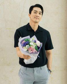 Song Seung Heon, Jung So Min, Asian Actors, Korean Actors, Korean Dramas, Guys Be Like, Cute Guys, Lee Minh Ho, Korea University