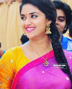 Beautiful Girl Indian, Most Beautiful Indian Actress, Beautiful Actresses, South Actress, South Indian Actress, Indian Actress Gallery, Desi Girl Image, Photography Poses Women, Married Woman