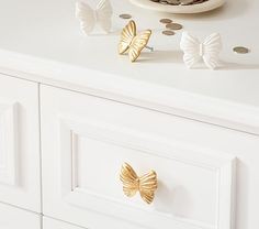 Butterfly Knob: Gold