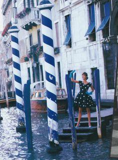Venetian holiday - Vogue US (1990) Christy Turlington by Patrick Demarchelier