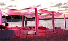 Not sure what kind of beach wedding @Jennifer Morgan wants to have, but this is a cool idea.