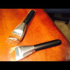 Contouring angle brushes Brand-new and this is for two. I bought these at the Korean store where I buy all of my brushes in bulk for a discount which I am passing along. I would like to keep this price what it is so I don't lose money Makeup Brushes & Tools