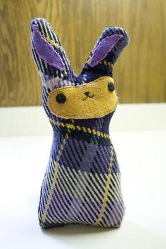 Stuffed bunny DIY, tutorial from larkcrafts.com