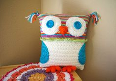 What's on my hook: Crochet Owl Pillow (and a sorta tutorial) | Habitual Homebody