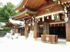 Hayatani shinto shrine in Hiroshima Part4.  The mail hall is large and traditional structure. In front of the main hall,two stone images of animal. We call it 'KOMA-INU(狛犬)'. http://japan-temple-shrine.blogspot.jp/2013/08/the-mail-hall-is-traditional-structure.html
