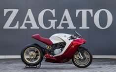 the mv agusta F4Z's bodywork was designed by the zagato team and built with aluminum and carbon fibre. it consists of a limited number of relatively large panels.