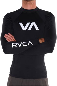 RVCA Mens Black and White rashguard. Medium. Can be found on mmawarehouse.com