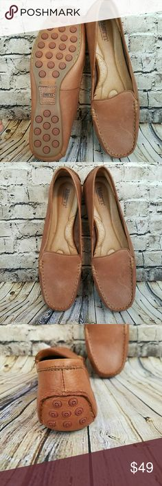 Brand New BUTTERY Soft Leather Born Loafers Born driving shoe  Super cool crown stamped traction on bottom This leather is buttery amazingness!! Size 9 Comfy padded insole Born Shoes Flats & Loafers