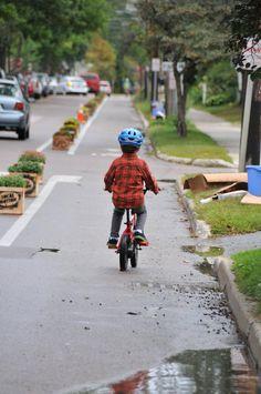 Temporary bike lane in Burlington, VT. Click image to tweet via Mike Lydon and visit the slowottawa.ca boards >> http://www.pinterest.com/slowottawa