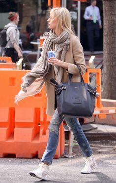 Karolina Kurkova carrying an awesome Celine bag.