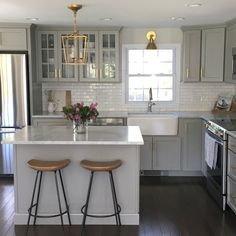 Small Kitchen Makeover NEW Authentic Visual Comfort Darlana Chandelier Mini Pendant 2175 Open Cage Updated Kitchen, New Kitchen, Kitchen Dining, Awesome Kitchen, Brass Kitchen, Gray And White Kitchen, Kitchen With Dark Floors, Kitchen Sinks, Vintage Kitchen
