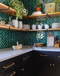 Captivating Small kitchen remodel cheap,Small kitchen design layouts uk tricks and Kitchen layout design drawing tricks. Home Decor Kitchen, Rustic Kitchen, New Kitchen, Home Kitchens, Kitchen Dining, Country Kitchen, Bohemian Kitchen Decor, Small Kitchens, Awesome Kitchen