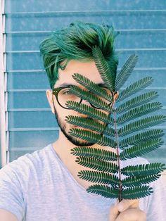 New hair color pastel men Ideas Green Hair Men, Dark Green Hair, Green Hair Colors, Pastel Green Hair, Hair And Beard Styles, Curly Hair Styles, Dyed Hair Men, Mens Hair Colour, Haircuts For Men