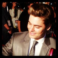 Up close and personal with #zacefron