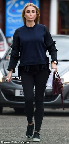 The old stepped out in her native Liverpool ahead of a visit to a local nail salon, where she indulged in a welcome manicure – possibly her last before giving birth. Alex Gerrard, Steven Gerrard, Baby Bumps, Lp, Family Photos, Wraps, Normcore, Fashion, Family Pictures