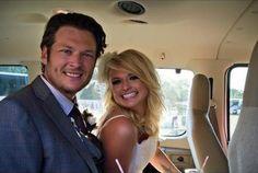 Blake Shelton and Miranda Lambert. look at them soooo cute Country Music Artists, Country Music Stars, Country Singers, Miranda Blake, Blake Shelton Miranda Lambert, Celebrity Couples, Celebrity Weddings, Black Shelton, Country Boys