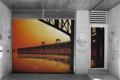 MAN-O-MATIC   Muelle del Tinto   Localización: Calle Marina   Huelva   Spain, 2011 *Decoración de la entrada del garaje.