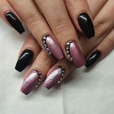 #Nails #Nailart #naildesign #ballerina #ballerinanails  #fullcover #black #schwarz #rosa #chrom #glitzersteine #steine