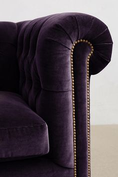 Slide View: 3: Velvet Lyre Chesterfield Grand Sofa, Hickory